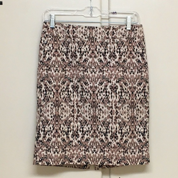 Merona Dresses & Skirts - Stretch Merona Straight Skirt Size 2